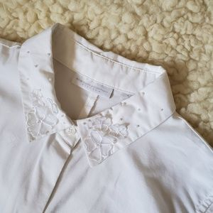 NY & Company 3d flower pearl collar blouse S
